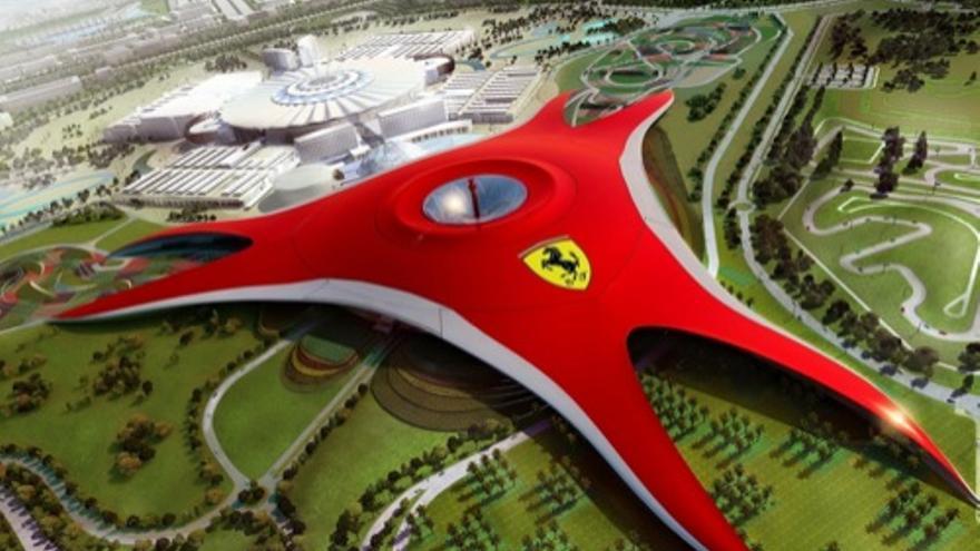 Cubierta del Parque Ferrari proyectado en Cheste.