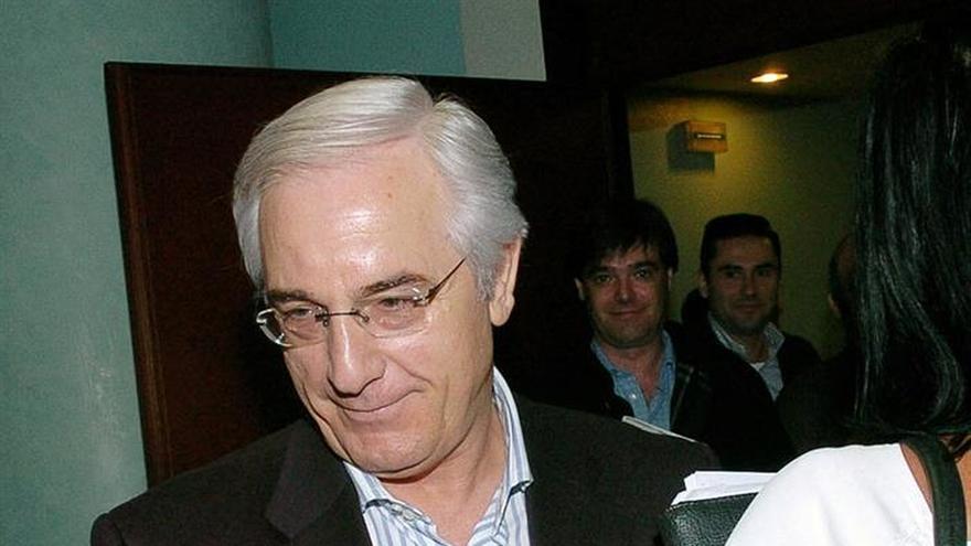 El expresidente Gabriel Urralburu, en la lista de morosos de Navarra