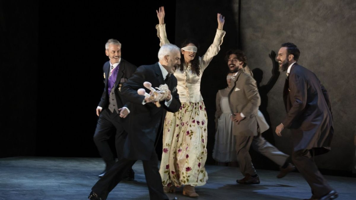 Una escena de la obra 'Electra'. / FOTO: teatroperezgaldos.es