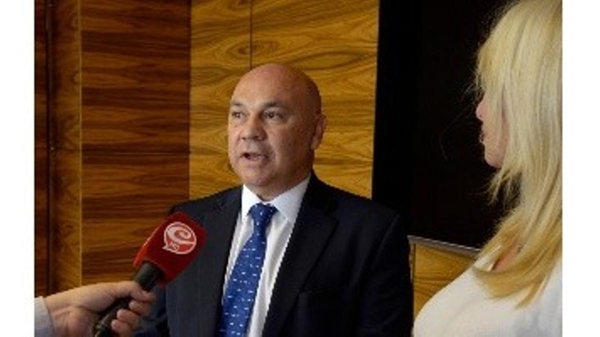 Raúl Olmos, dueño del diario y el canal Crónica HD, del Grupo BASA y Evolución Seguros .
