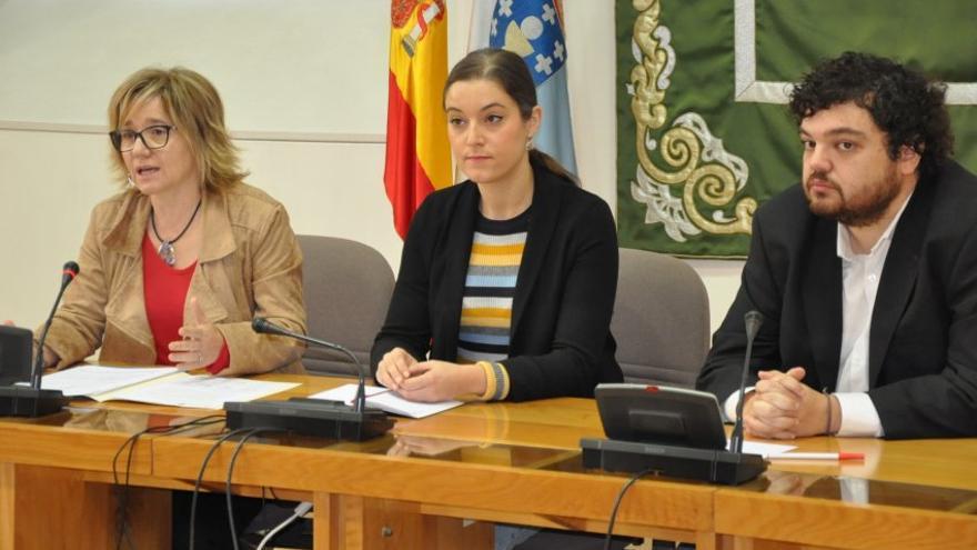 """Prado (BNG), Solla (En Marea) y Torrado (PSdeG), en la presentación de la """"comisión alternativa"""" sobre los recortes sanitarios"""