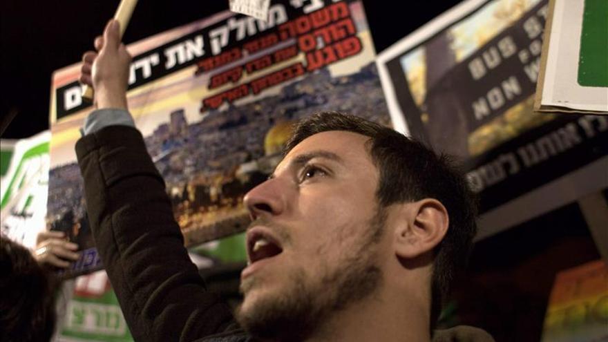 """Numerosa manifestación contra la ley para declarar Israel como """"estado judío"""""""