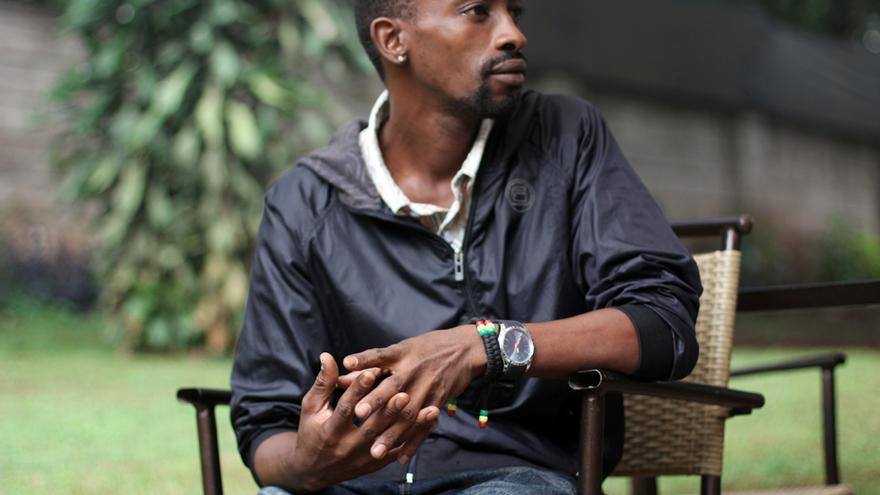 Yassin Senyonga fue perseguido por la policía y repudiado por su propia familia antes de huir a Kenia como refugiado por orientación sexual. \ Jon Cuesta