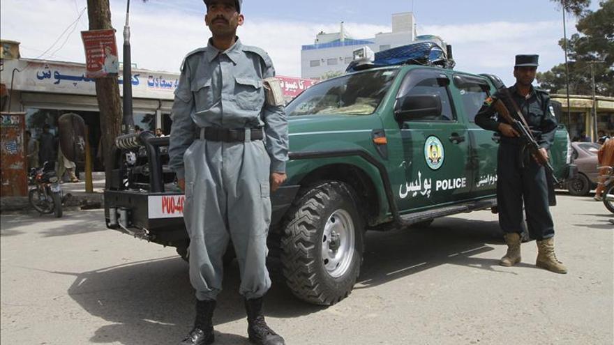 Mueren 4 policías tras la detonación de un artefacto explosivo en Afganistán