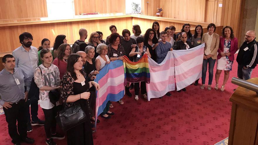 Colectivos de personas transexuales, con En Marea, PSdeG y BNG en el Parlamento gallego