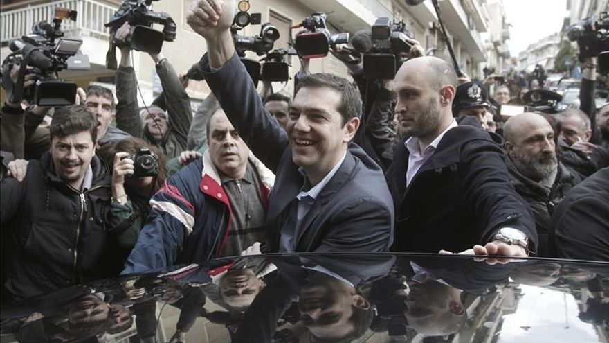Nuevos sondeos dan la victoria a la izquierdista Syriza cerca de la mayoría absoluta