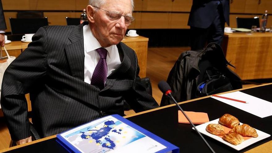 """Schäuble teme una mayor carga para Alemania por el """"brexit"""", según """"Der Spiegel"""""""