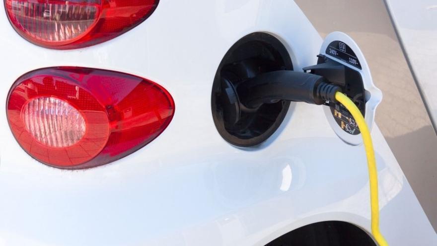 Según Tesla, las baterías de sus coches deberían durar entre 10 y 15 años