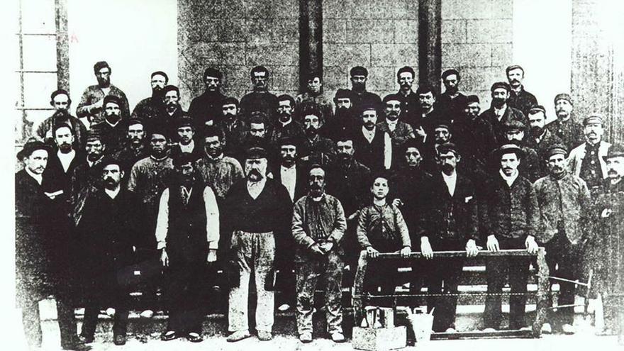 Trabajadores de la Exposición Universal de Barcelona de 1888.