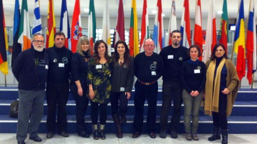 La delegación de la Asociación de Víctimas del Accidente de Metro de Valencia en el Parlamento Europeo