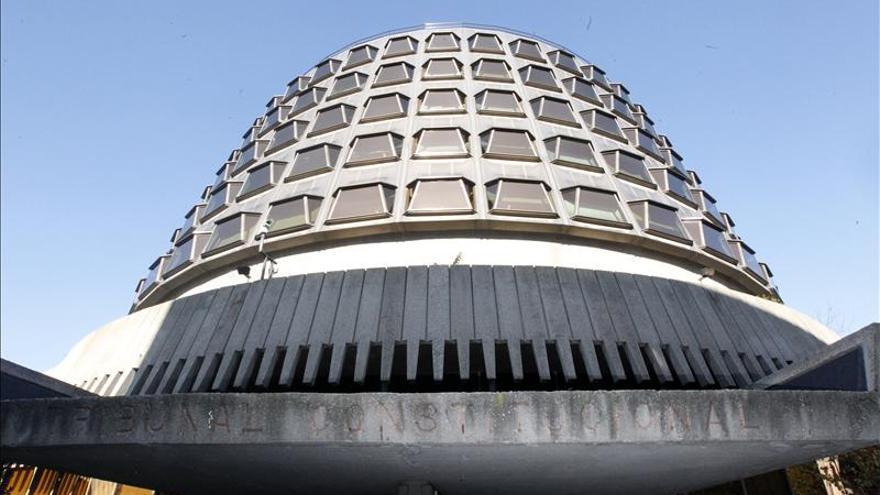 El Constitucional suspende el pago de un complemento a funcionarios navarros