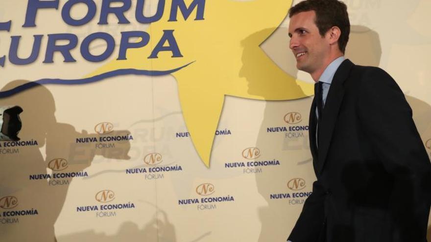 """Casado rechaza la comisión de Unidos Podemos para """"desprestigiar"""" la monarquía"""