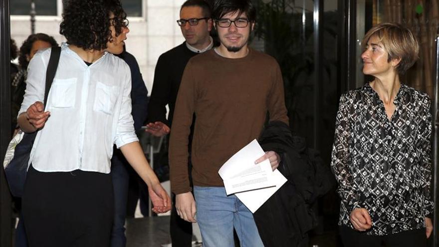 El portavoz de Podemos en Euskadi denuncia una agresión de críticos abertzales