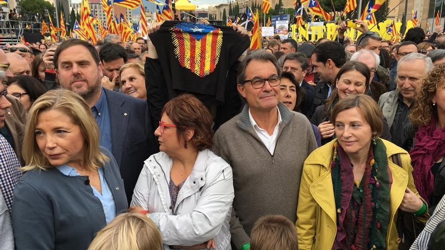 Miles de personas se concentran contra los procesos judiciales sobre la independencia
