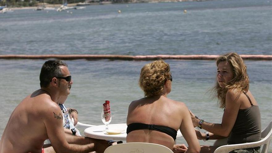 El récord de turistas depara un gasto inédito de 10.764 millones hasta marzo