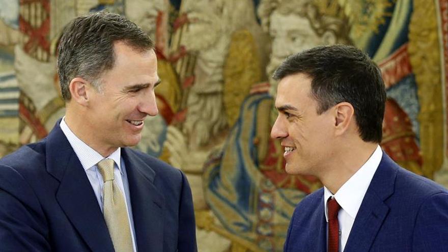 Sánchez expone al Rey la posición del PSOE en el actual escenario político