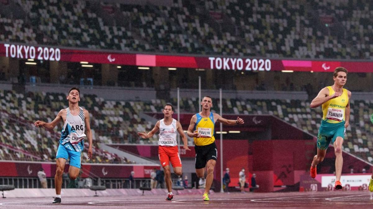El joven pergaminense, de 19 años, se llevó la medalla de bronce con un tiempo de 12.02.