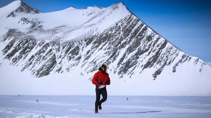 © Antarctic Ice Marathon