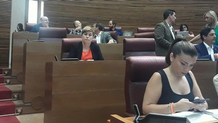 Los ex de Cs en el parlamento valenciano estrenan sus nuevos escaños tras pasar a ser diputados no adscritos