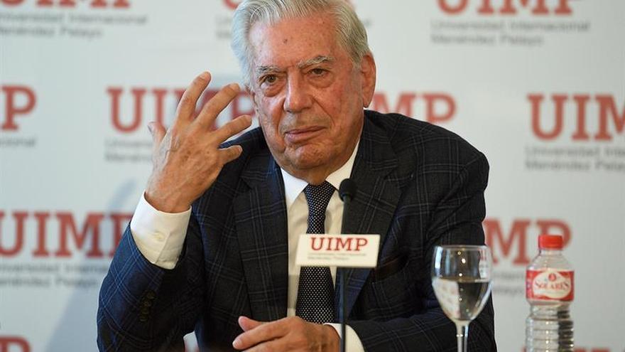 Vargas Llosa recibirá el 19 de septiembre un premio literario en República Dominicana