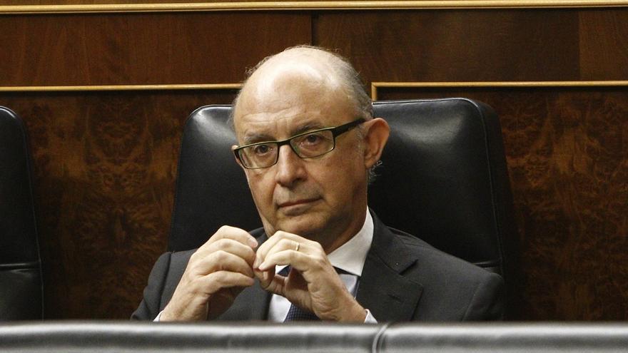 Todos los grupos de la oposición, a la espera del PNV, apoyarán mañana en el Congreso la reprobación de Montoro
