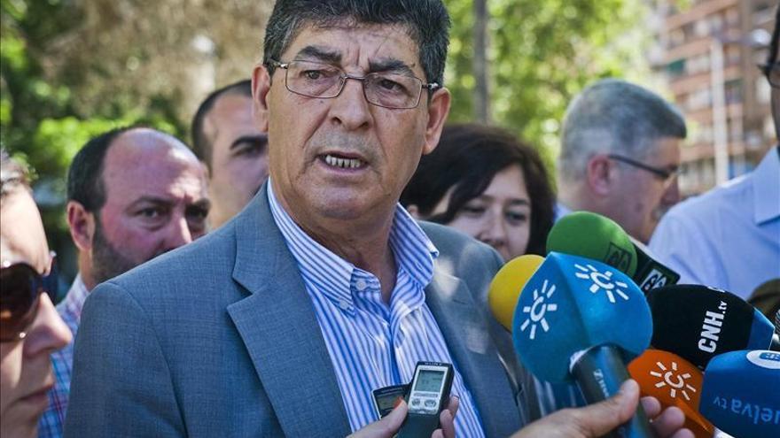 IU y UPyD suspenden también los actos de campaña de hoy por la muerte de Carrasco