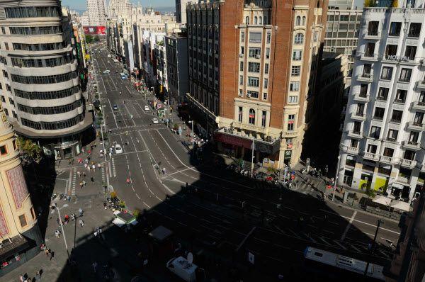 Una desconocida Gran Vía sin tráfico por el Día sin coches | Fotografía: Ayuntamiento de Madrid