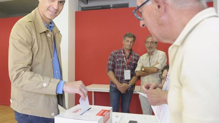 Pedro Sánchez vota en Pozuelo para elegir al secretario general del PSOE-M