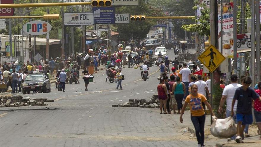 Convocan a un paro nacional en Nicaragua mientras se intensifica la violencia