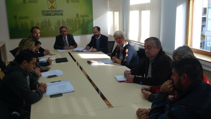 Miembros del comité de empresa de la factoría han participado en la Junta.