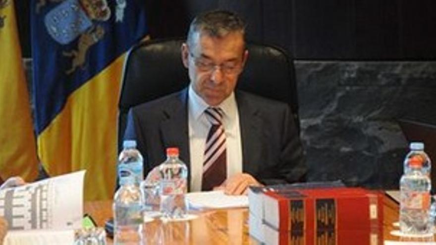 Paulino Rivero, presidente del Gobierno de Canarias. (EUROPA PRESS)