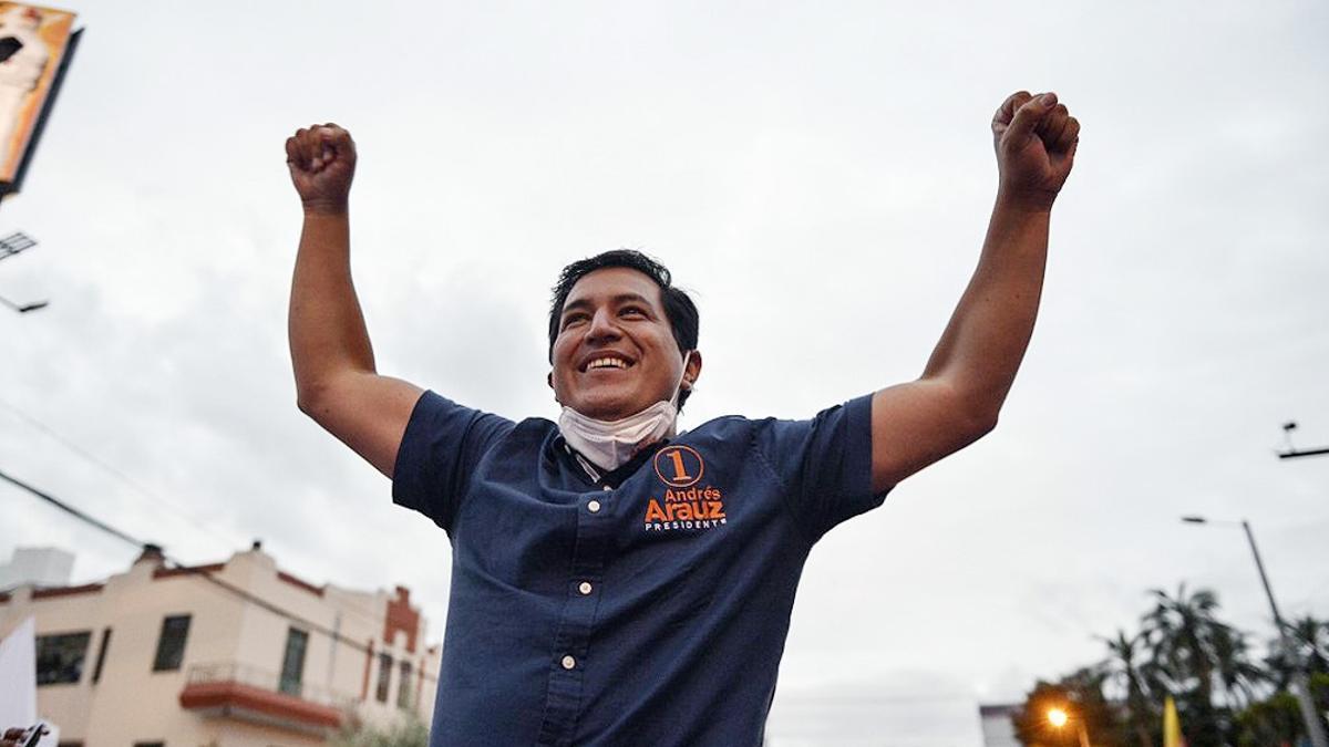 El candidato del correísmo, Andrés Arauz, se proclama ganador de elecciones en Ecuador