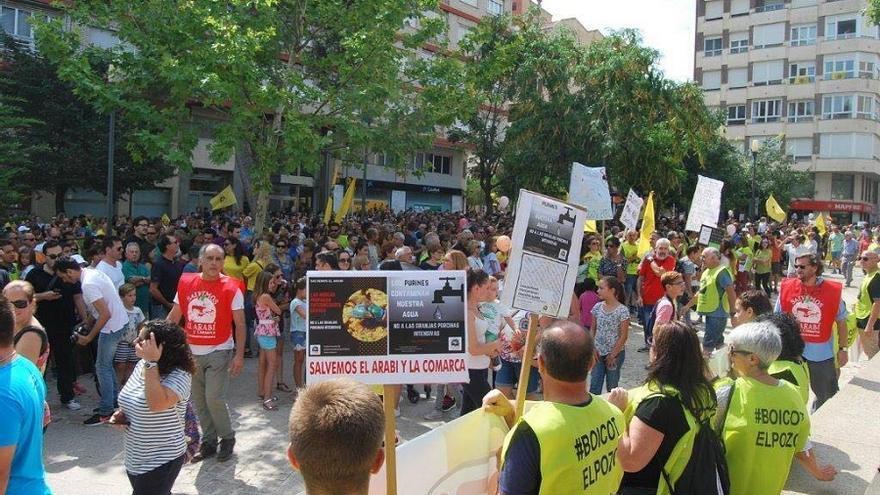 Manifestación en Yecla (Murcia) en contra de la instalación de la macrogranja en Montealegre del Castillo (Albacete)
