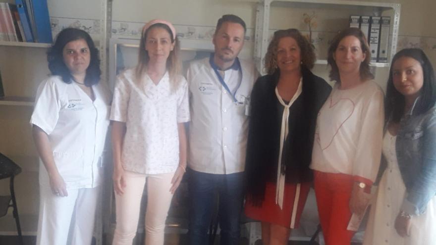 Beatriz Pais junto a colaboradores de la nueva consulta.