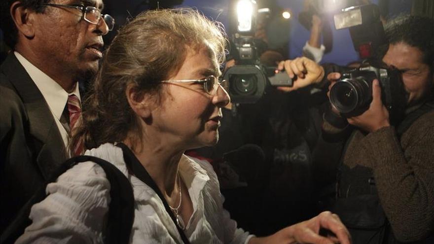 La estadounidense Lori Berenson será expulsada de Perú, tras cumplir su condena