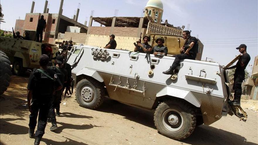 Mueren cuatro policías egipcios en un ataque contra un puesto de control