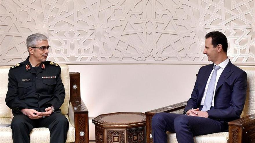 El Jefe de Estado Mayor iraní ofrece apoyo a Al Asad para reconstruir Siria