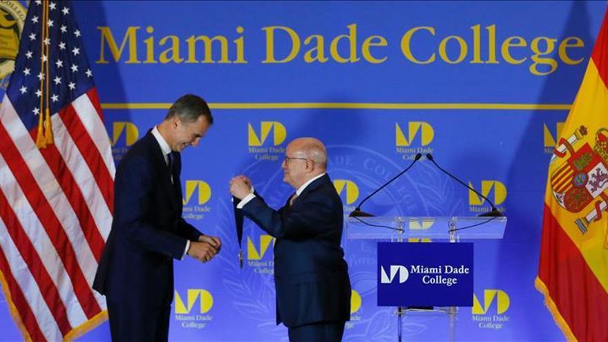 El Rey pide más promoción del español en EE.UU. y reivindica la influencia hispana