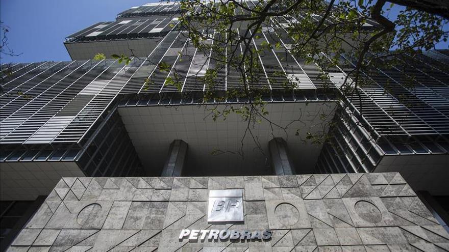 Petrobras alcanza su meta de desinversión de 700 millones de dólares en 2015
