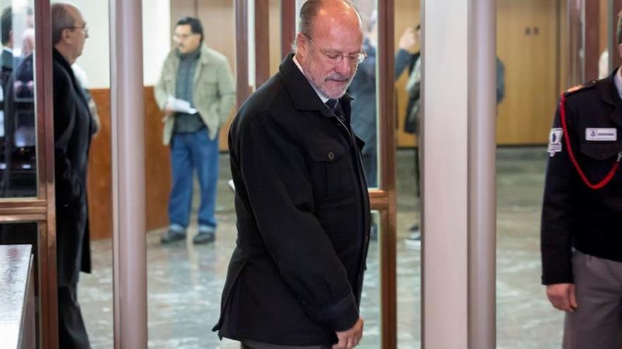 De la Riva tendrá que volver a declarar por el caso de la carta de conformidad