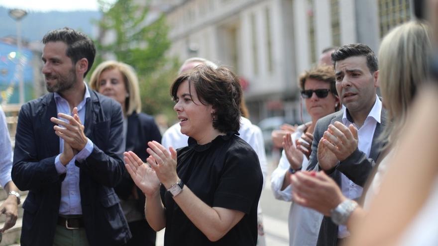 """Sáenz de Santamaría dice que """"solo se puede aspirar"""" a presidir el PP si """"tienes claro que no se puede dañar al partido"""""""