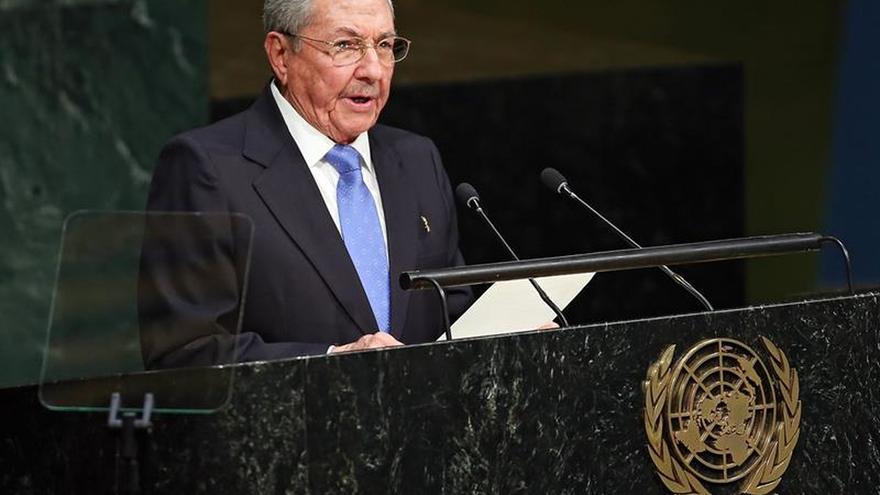 Raúl Castro nombra nuevos ministros de Economía y Educación Superior