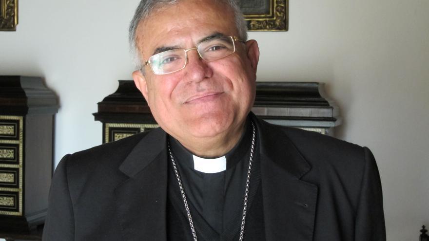 """El obispo subraya que el sacerdocio solo lo pueden ejercer los hombres y """"jamás"""" las mujeres"""