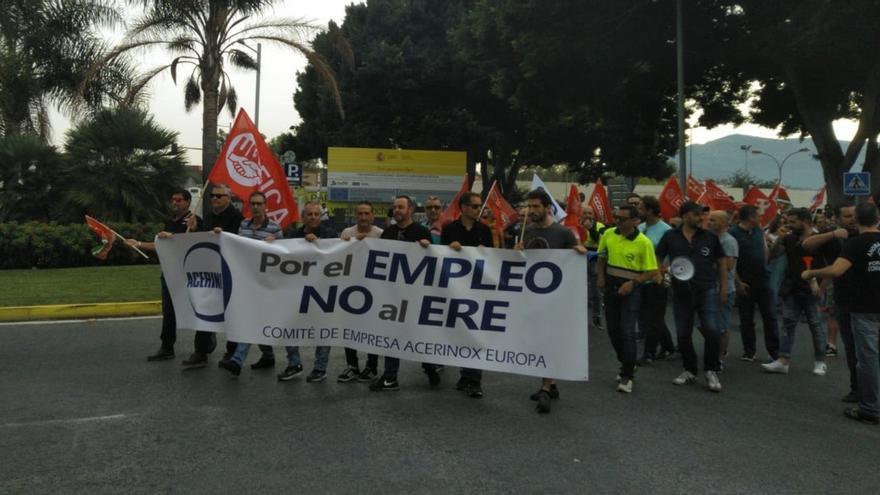 Los trabajadores de Acerinox en Los Barrios convocan huelga indefinida a partir del 14 de noviembre