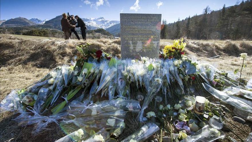 Monumento de homenaje a las víctimas del copiloto de Germanwings, que se suicidó estrellando el avión que pilotaba.