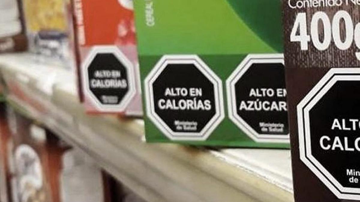 Así se verían los octógonos previstos en la Ley de Etiquetado Frontal