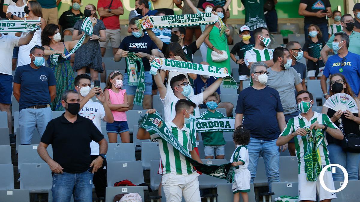 Aficionados del Córdoba en el amistoso con el Marbella
