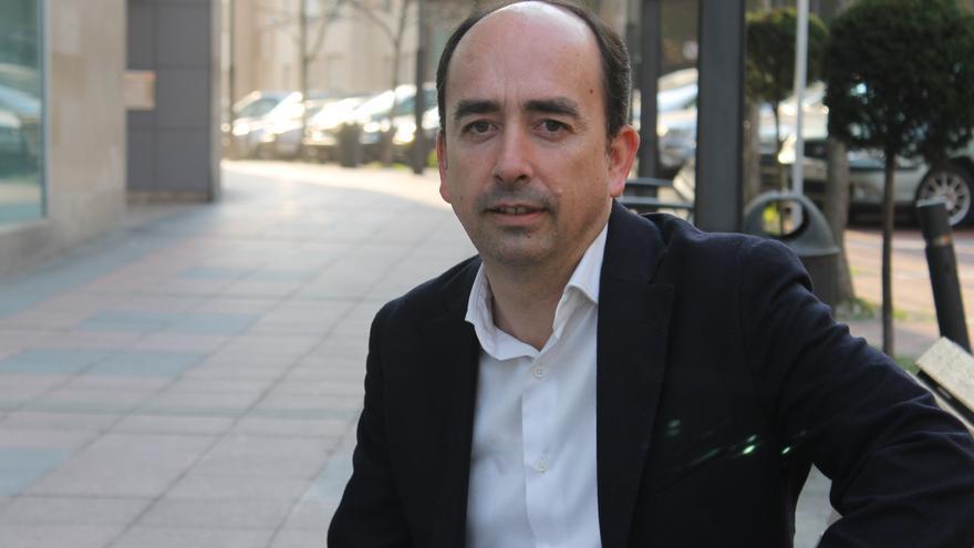 El concejal de IU en Astillero, Fernando Soler, ha sido acusado por otro militante por un supuesto amaño