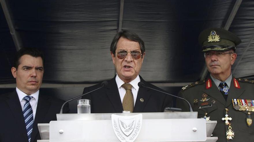 Abren los colegios electorales para las legislativas de Chipre