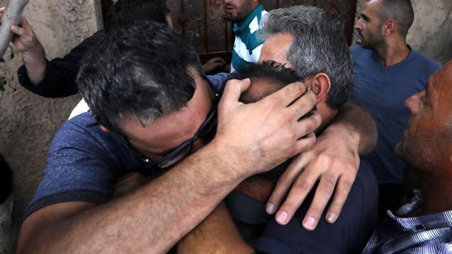 Muere mujer palestina después de que colonos atacasen con piedras su vehículo